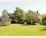 BRIDGEHAMPTON 4 Bedroom Comfortable Traditional Close to Village, Ocean Beach